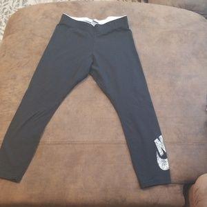 Nike yoga capri pants